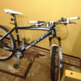 Bicicleta Scott Scale 60 - Mountain Bike Scott, 19 inch, 26 inch, Numar viteze: 27, Aluminiu, Negru-Alb-Albastru