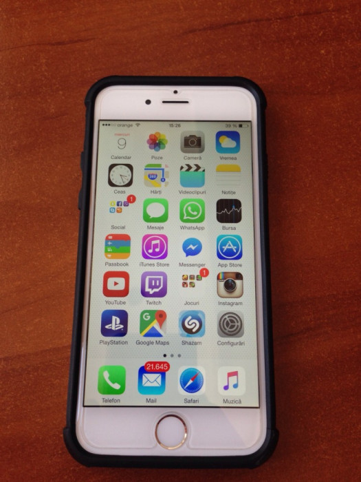Iphone 6 Silver 16 GB + Husa UAG foto mare