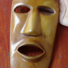 Masca deosebita din lemn - model deosebit !!!