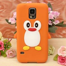 Husa silicon model pinguin Samsung Galaxy S5 G900 i9600 + folie protectie ecran - Husa Telefon Samsung, Albastru