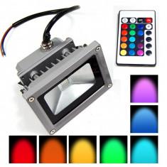 SPOT LED 10 WATT PUTERE RGB FULL COLOR+TELECOMANDA INCLUSA,INTERIOR/EXTERIOR.