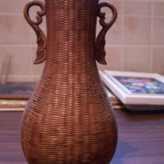 Vaza de lemn China, interior metalic, 40 de ani vechime
