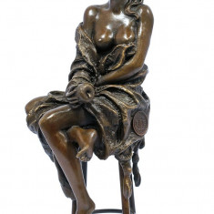 DOAMNA LA BAR - STATUETA BRONZ PE SOCLU DIN MARMURA - sculptura reproducere, Portrete