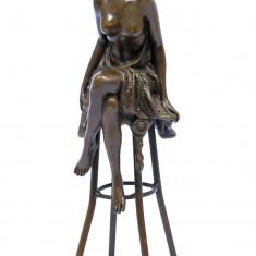 DOAMNA LA BAR - STATUETA DIN BRONZ PE SOCLU DIN MARMURA - sculptura reproducere, Portrete