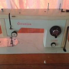 Masina de cusut Veronica UMC Cugir