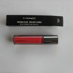 MAC Huggable Glass 2, 5 ml - Gloss buze Mac Cosmetics