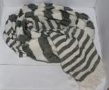 Esarfa unisex ZARA gri cu bej descris dimensiunea 178 X 40 cm