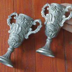 Lot 2 bucati - Pahar / cupa / pocal din zinc cu scene in relief !!! - Metal/Fonta