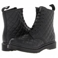 Dr. Martens Coralie Quilted 8-Eye Boot | Produs 100% original, import SUA, 10 zile lucratoare - z11409 - Gheata dama Dr Martens, Negru