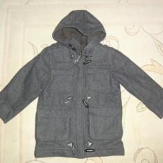 Palton de stofa gros captusit, cu gluga, marca NEXT, baieti 5-6 ani, Culoare: Gri