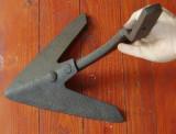 Scule / Unelte - Veche piesa de plug - cutit - model deosebit - decor rustic !!!