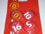 4 insigne fotbal MANCHESTER UNITED (o folie cu 4 insigne)