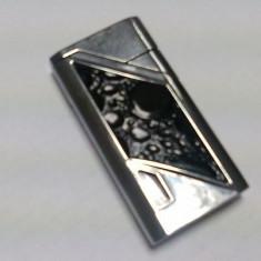 Bricheta metalica Argintie cu flacara antivant - Bricheta Cu Gaz