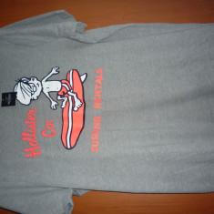 Tricou Hollister marimea XL - Tricou barbati Superdry, Culoare: Gri, Maneca scurta, Bumbac
