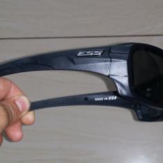 Ochelari Oakley Ess - Ochelari de soare Oakley, Barbati, Negru, Curbati, Plastic, Polarizare