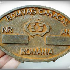 SIGLĂ VECHE DIN FONTĂ TURNATĂ LA REȘIȚA PT. FABRICA DE VAGOANE ROMVAG - CARACAL!