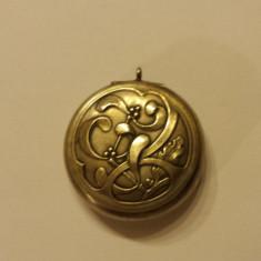 Medalion Art Nouveau Franta 1920 Vintage cu deschidere si Oglinda Splendid