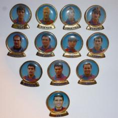 Lot 12 insigne fotbal FC BARCELONA (inclusiv Gica HAGI) - Insigna fotbal