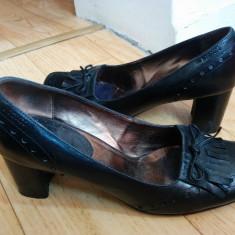 Pantofi din piele firma MEXX marimea 38, arata impecabil! - Pantof dama, Culoare: Negru, Piele naturala, Cu toc