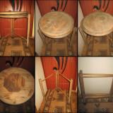 Masuta veche servit rotativa din brad pe rotile.