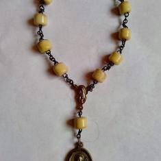 Rozariu de mana vechi-Bratara cu margele de jad - Crucifix