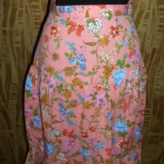 Fusta vintage, anii 70, roz cu imprimeu floral, aproximativ marimea 36 - Haine vintage