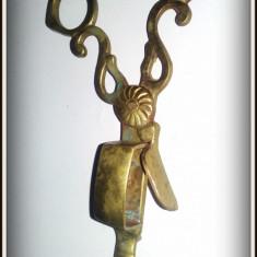 Foarfeca veche - ustensila veche pentru stins lumanari - mucarnita - Metal/Fonta
