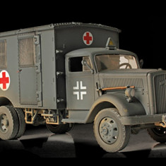 Macheta Ambulance 4x4 German France 1940 FORCES OF VALOR 1:32 - Macheta auto