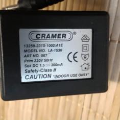 Alimentator Incarcator Cramer 1, 5V 300mA Model LA-1530