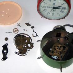 ceas deşteptător Aradora, din anii '80, dezmembrat