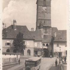 SIBIU, PIATA MICA CU TURNUL SFATULUI, FOTO ORIG. F. FISCHER, SIBIU 1937 - Carte Postala Transilvania dupa 1918, Necirculata, Fotografie