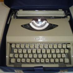 Masina de scris MERCEDES+banda noua de scris