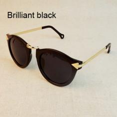 Ochelari soare DAMA model retro black material plastic detaliu metal si cutie, Femei