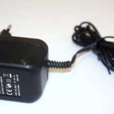 Alimentator Netzteil 9V 1A cu mufa neagra AD-091AB