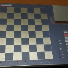 SAH TABLA ELECTRONICA KASPAROV COMPUTER III . FARA PIESE .FUNCTIONEAZA . - Table sah