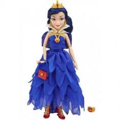 Papusa Disney Descendants - Evie In Tinuta De Incoronare, 6-8 ani