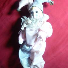 Papusa Arlechino-cap, maini, picioare portelan, h= 22 cm, caciulita clopotei - Papusa de colectie