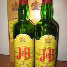 2 sticle, whisky J & B cl. 75 gr. 40 ani 60/70 anidro 30%