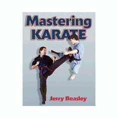 Mastering Karate - Carte in engleza