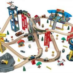 Trenulet Kidkraft Din Lemn Super Highway Cu Set De Accesorii, Seturi complete