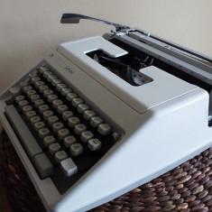 Masina scris TRIUMPH- ADLER Junior - Masina de scris