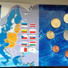 Set KMS 8 monede euro FINLANDA 2004 cu medalie - BU, Europa, Cupru-Nichel