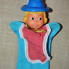 Marioneta teatru de papusi, papusa manuala, cap cauciuc, fata vanatorului