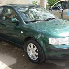 Wolkswagen Passat, Benzina, Verde, Berlina, Numar usi: 5