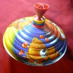 Jucarie veche Titirez din tabla, LBZ -CE, frumos ornamentata cu desene animate - Jucarie de colectie