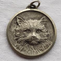 Medalion vintage Pisica executat manual in detalii superbe patina minunata Rar