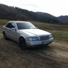 Mercedes-Benz C220, Clasa C, C 220, Motorina/Diesel
