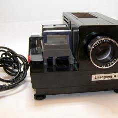 Diaproiector Liesegang A60 format 60x60mm cu obiectiv Patrinast 1:3 / 150(1677) - Accesoriu Proiectie Aparate Foto