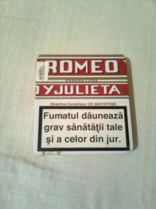 "TABACHERA ( CUTIE ) METALICA PENTRU TIGARI ,,ROMEO Y JULIETA """