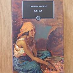 ZAHARIA STANCU, SATRA- cartonata, supracoperta, 2009 - Roman, Litera